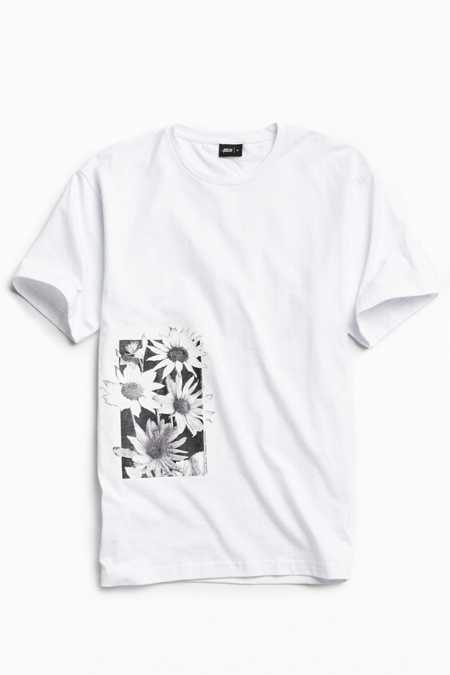 Publish Daisy Page Tee