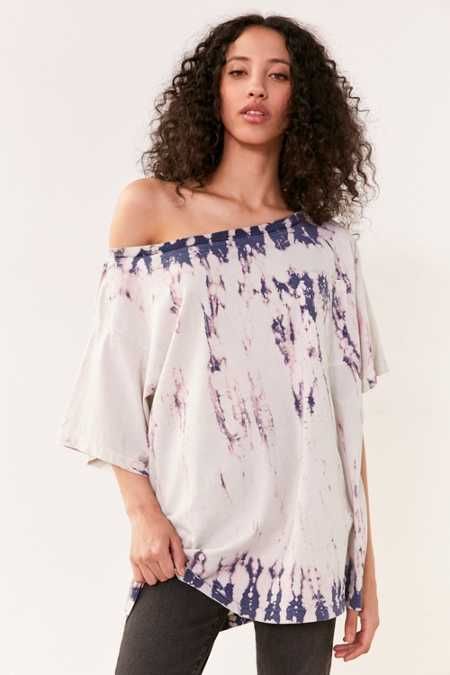 BDG Killian Off-The-Shoulder Oversized Tee
