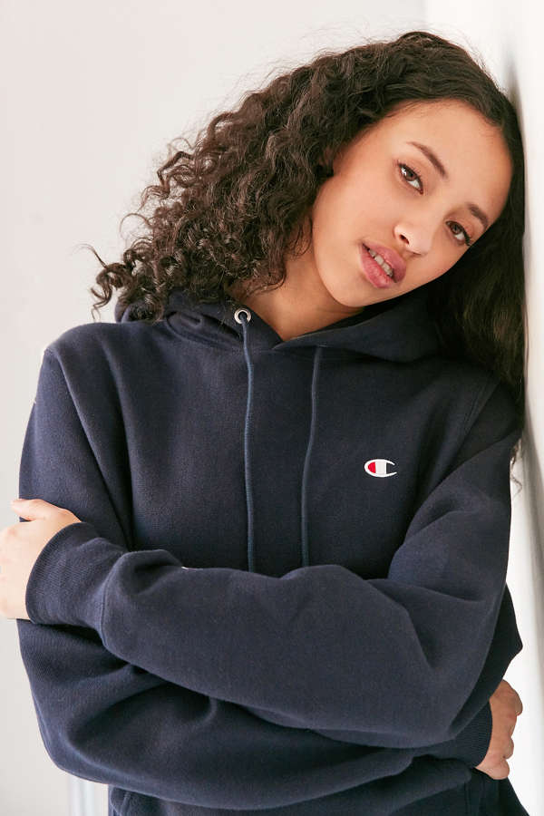 THE NEW IT BRAND YOU MUST OWN: CHAMPION (UP TO 50% OFF)