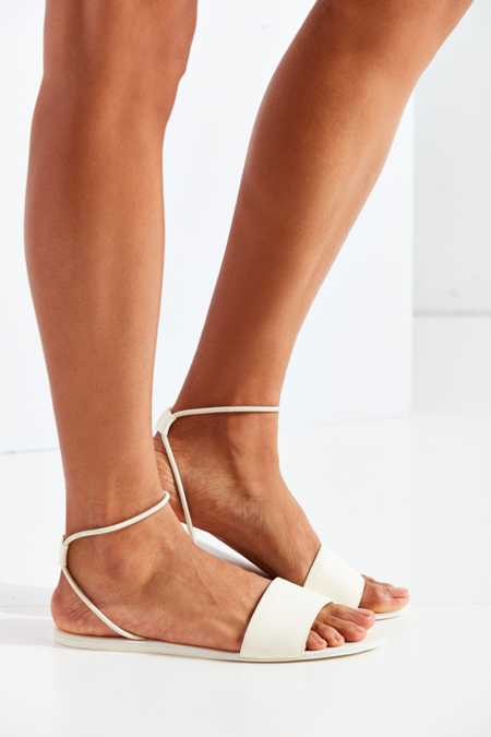 Dolce Vita Dara Leather Sandal