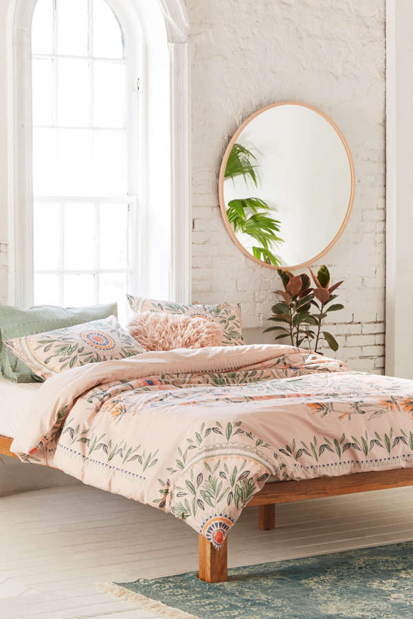 Iris sketched floral comforter urban outfitters for Bedroom ideas urban