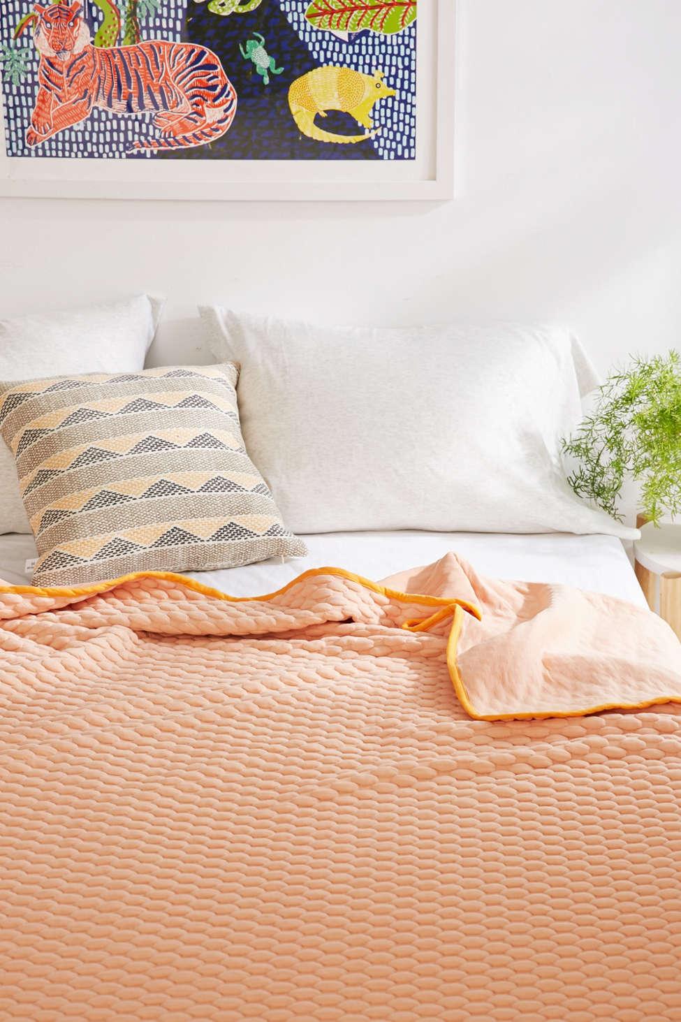 Slide View: 1: Marshmallow Bed Blanket