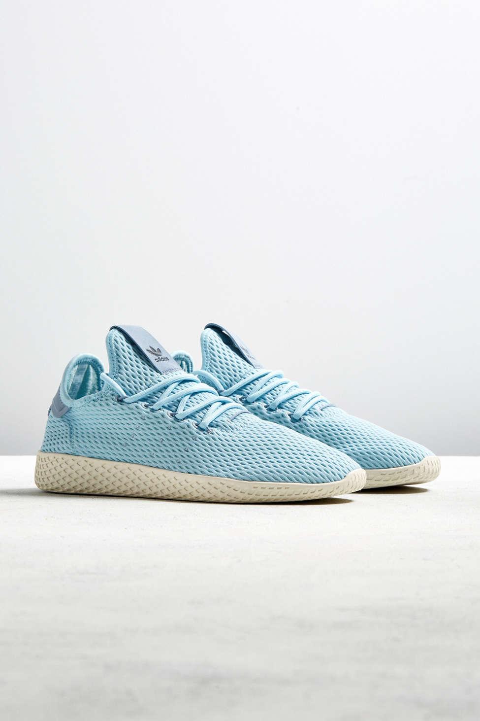 pharrell williams tennis hu pastello scarpe adidas urban outfitters