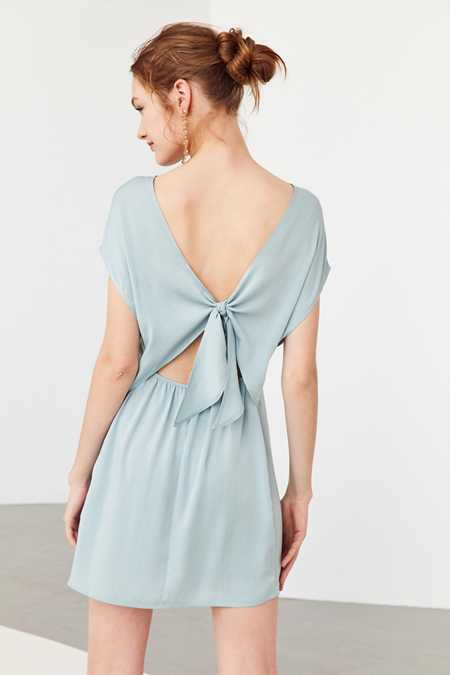 Kimchi Blue Silky Tie-Back Shift Dress
