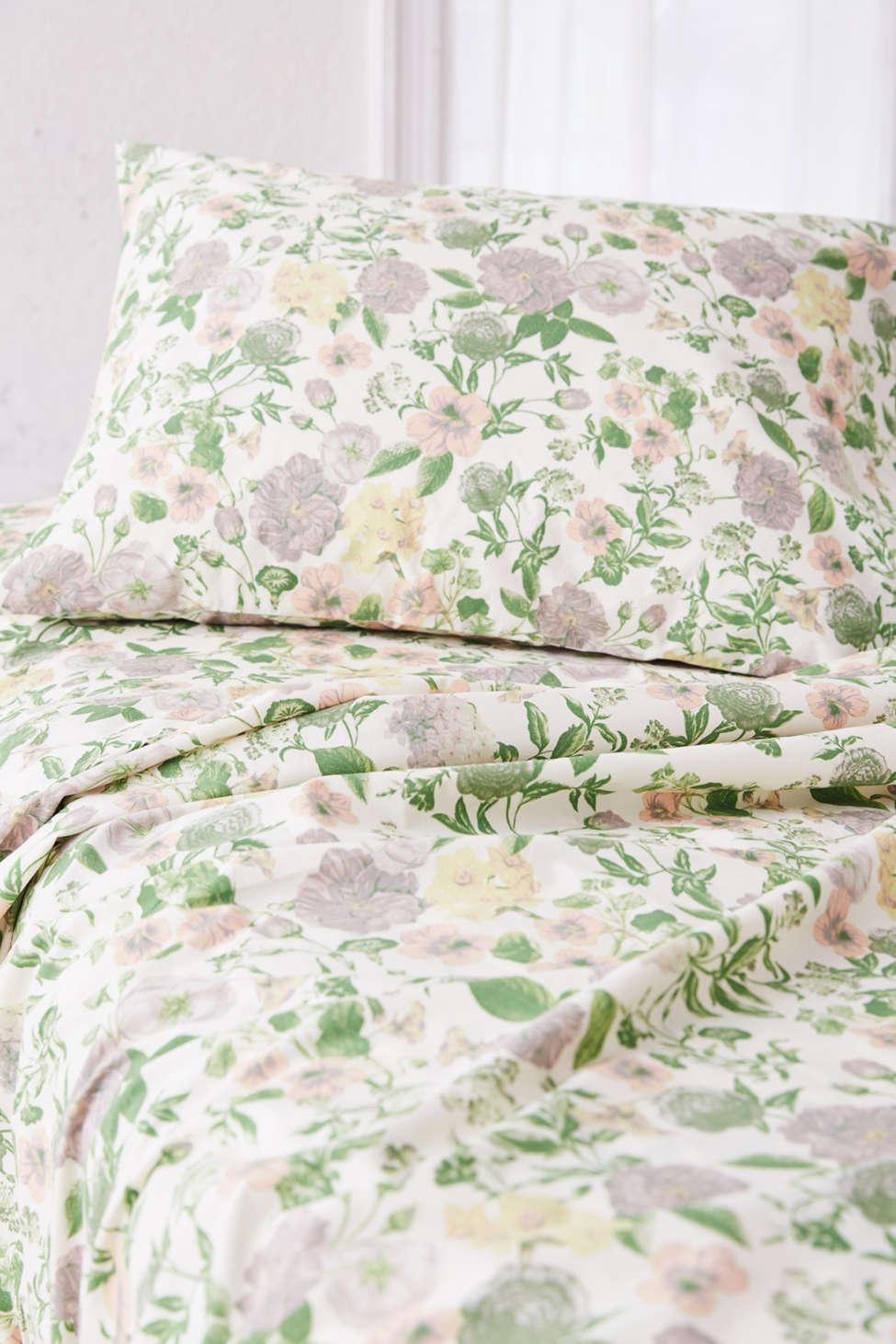 Slide View: 2: Amara Floral Sheet Set