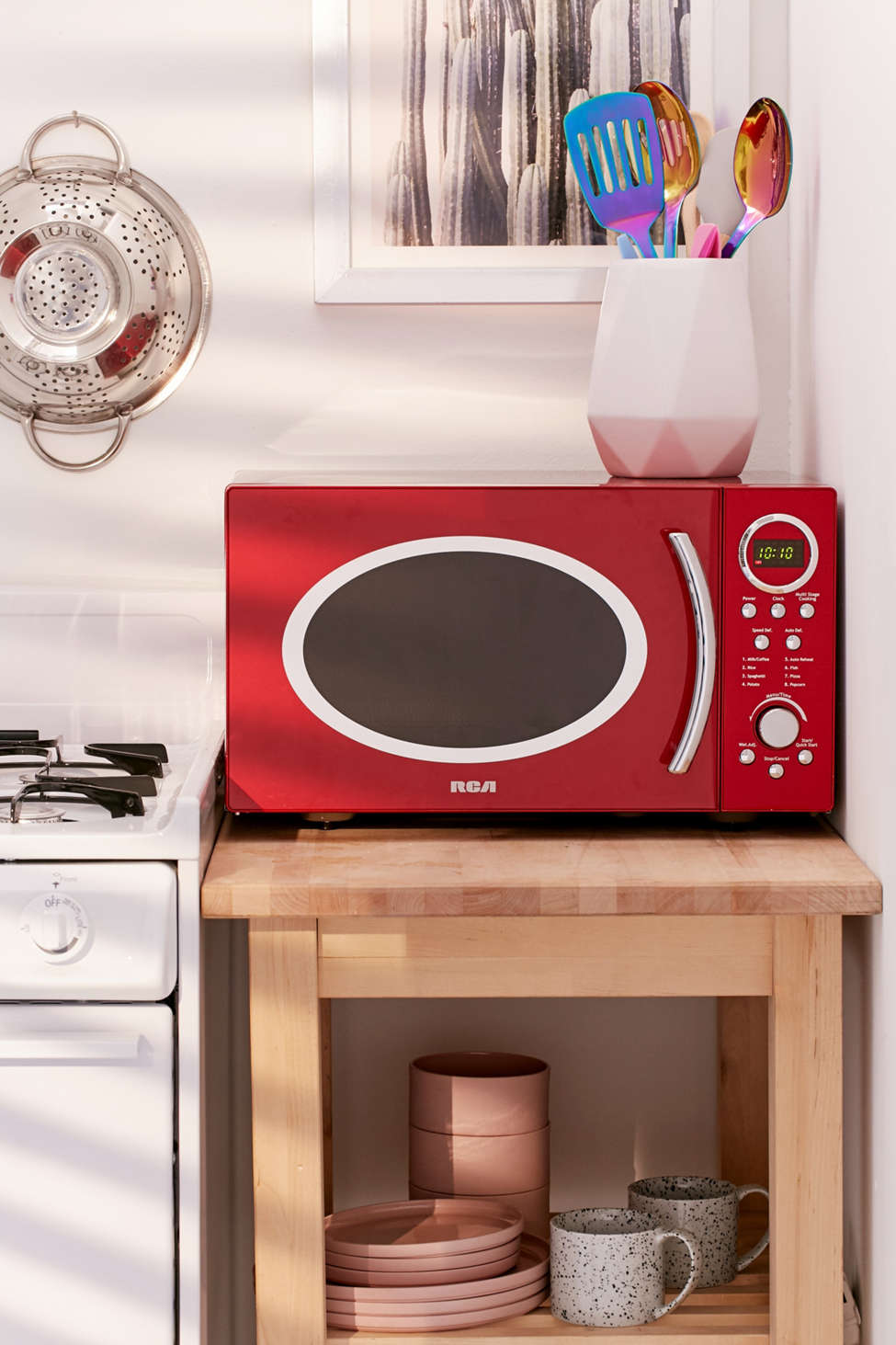 Slide View: 1: RCA Retro Red Microwave