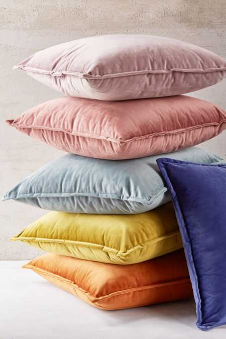Throw Pillows Blankets Urban Outfitters