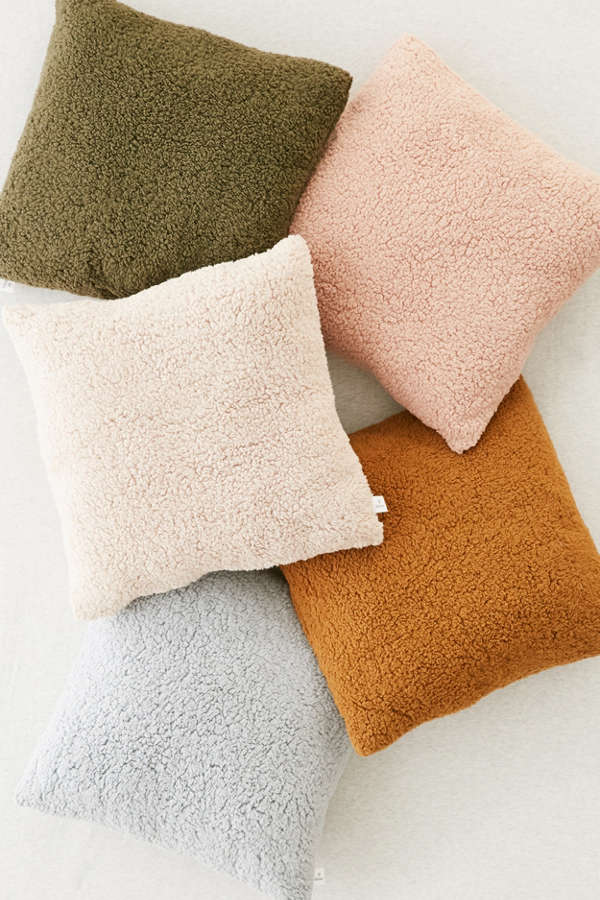 Throw Pillows Urban Outfitters : Sherpa Fleece Throw Pillow Urban Outfitters