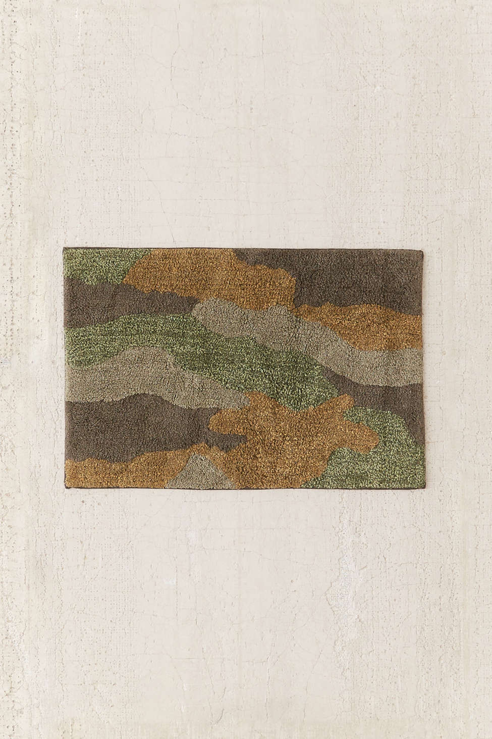 camo tufted bath mat | urban outfitters