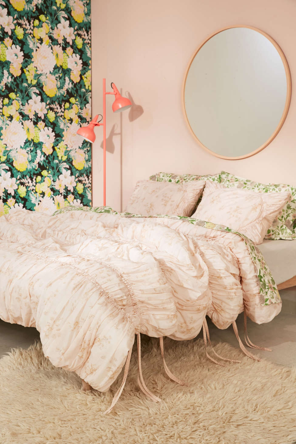 Well-liked Rita Floral Ruffle Comforter | Urban Outfitters RE05