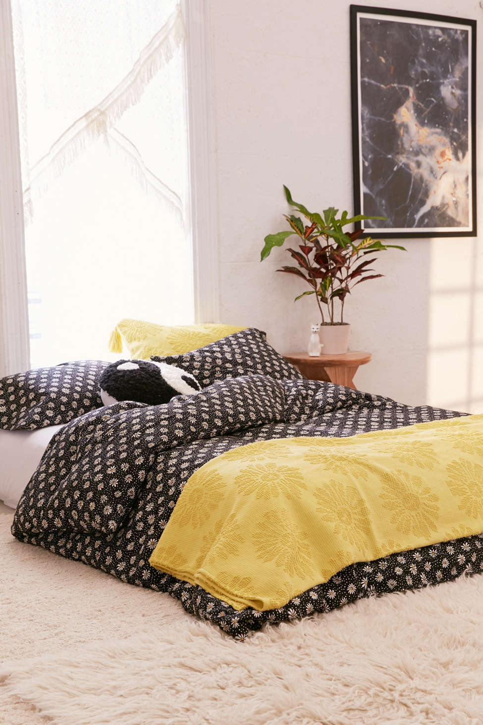 Apartment Bedding For Simple But Stylish Rooms Perfect