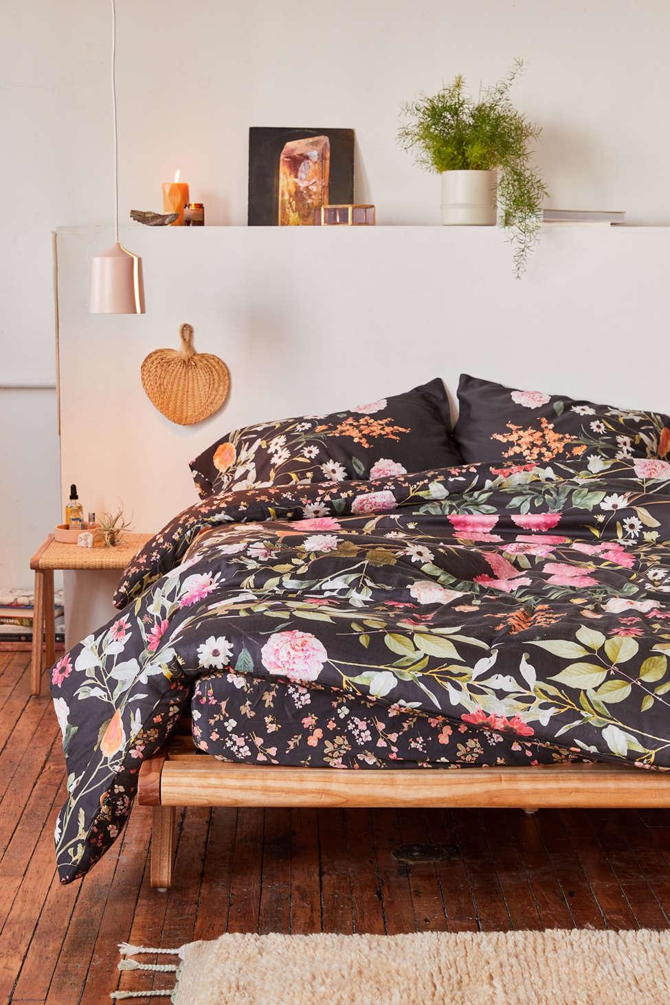 Slide View: 1: Daniella Floral Comforter Snooze Set