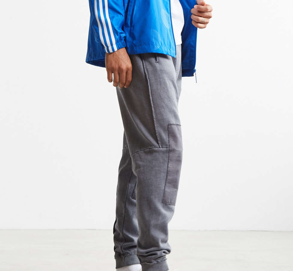 Slide View: 3: UO Clark Patched Fleece Jogger Pant