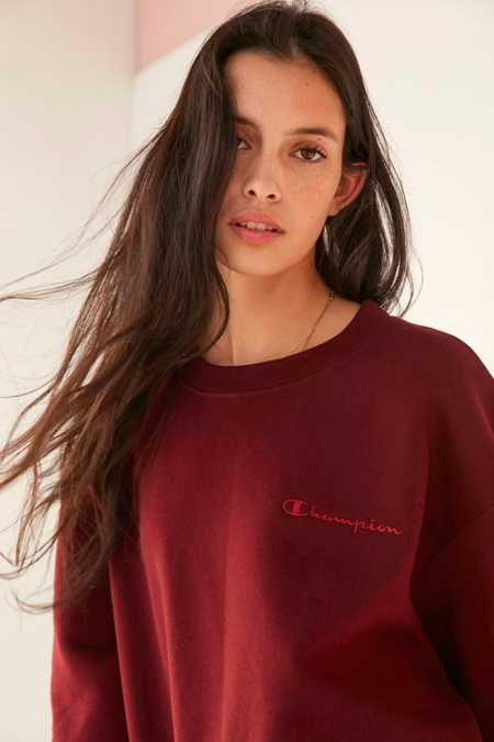 Champion + UO Mini Logo Crew-Neck Sweatshirt