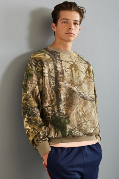 FairPlay Realtree Camo Rogue Crew Neck Sweatshirt - Multi S at Urban Outfitters