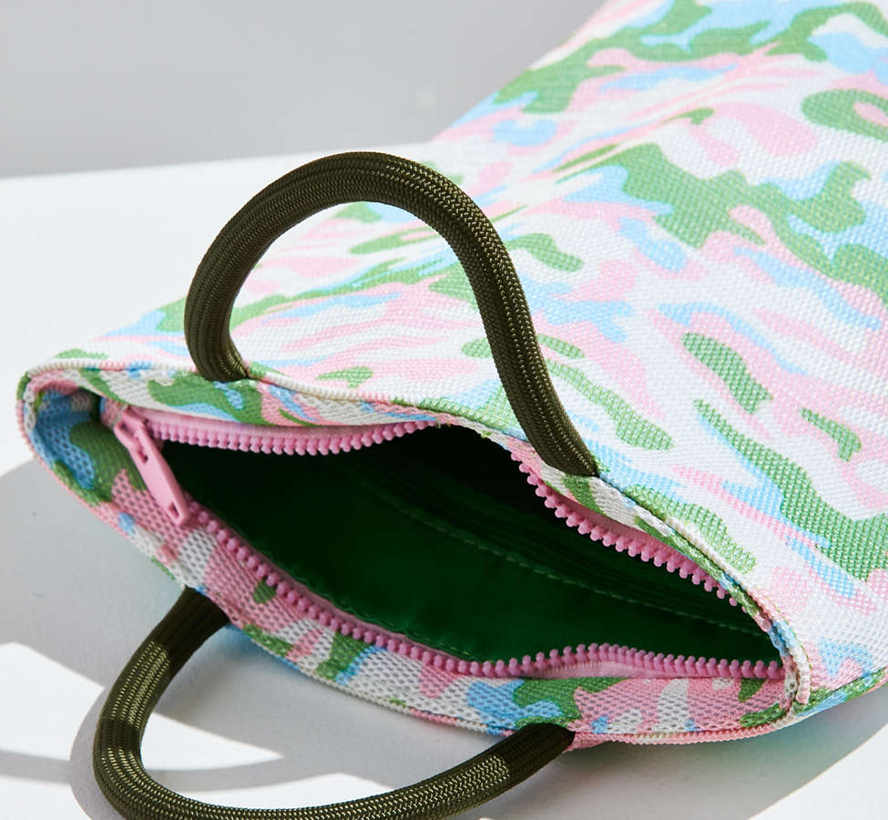 Slide View: 6: Camo Handheld Pouch