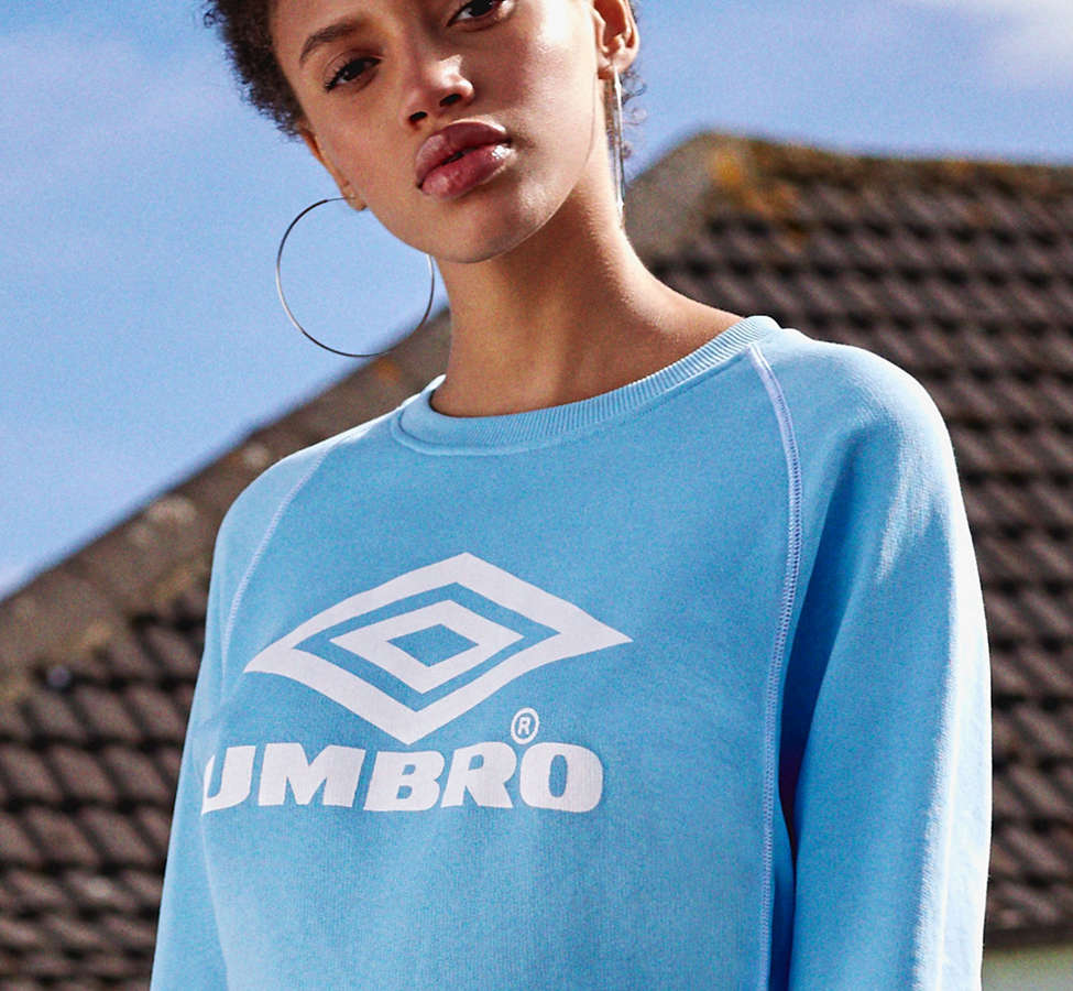 Slide View: 1: Umbro X UO Classic Logo Crew-Neck Sweatshirt