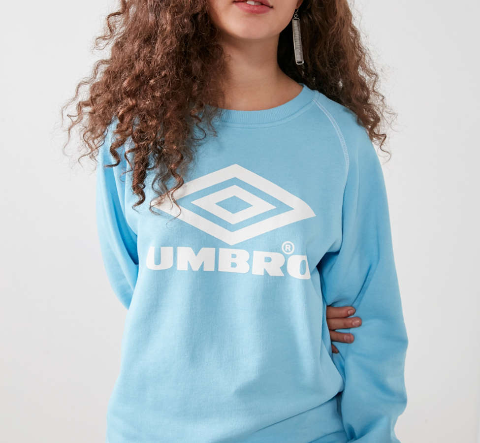 Slide View: 6: Umbro X UO Classic Logo Crew-Neck Sweatshirt