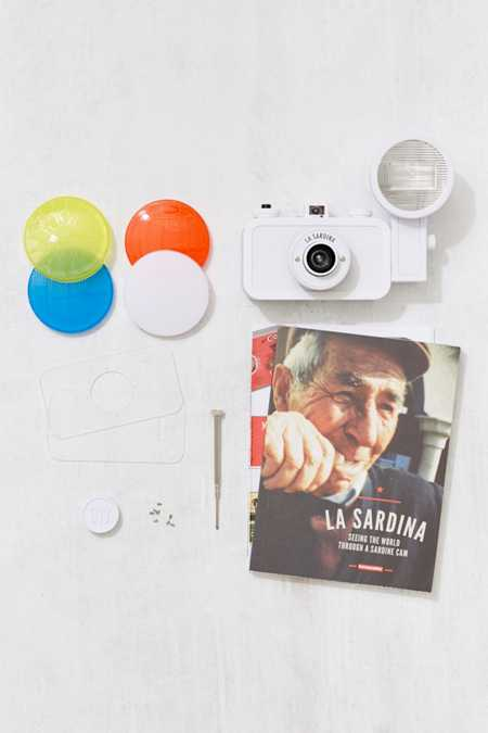 Lomography La Sardina Camera and Flash DIY Set