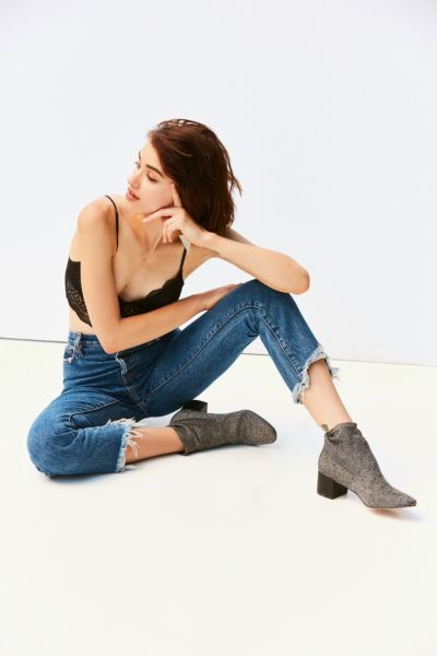 Sale Items In Women S Clothing Urban Outfitters Canada