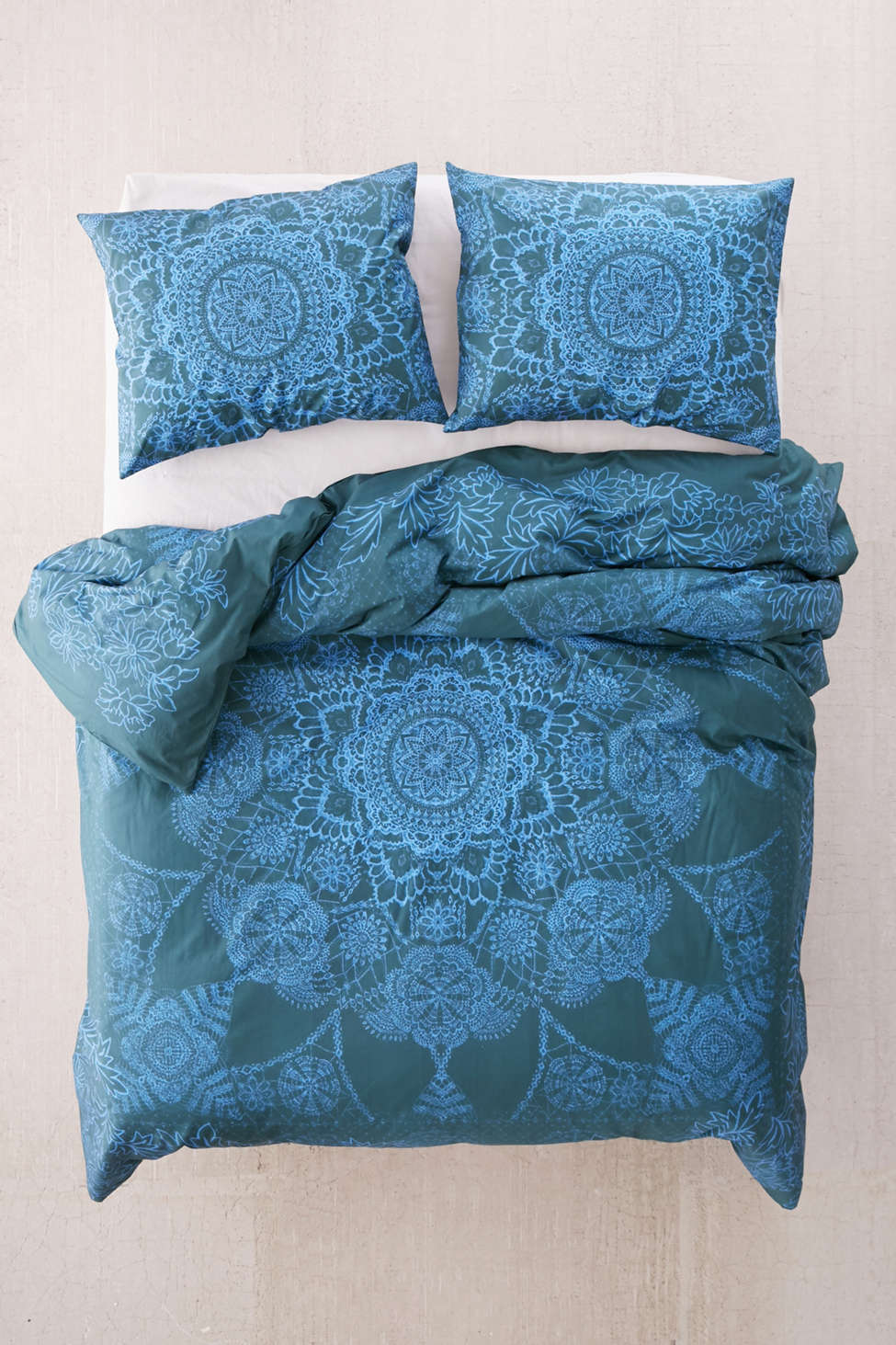 Slide View: 2: Kaye Medallion Duvet Cover