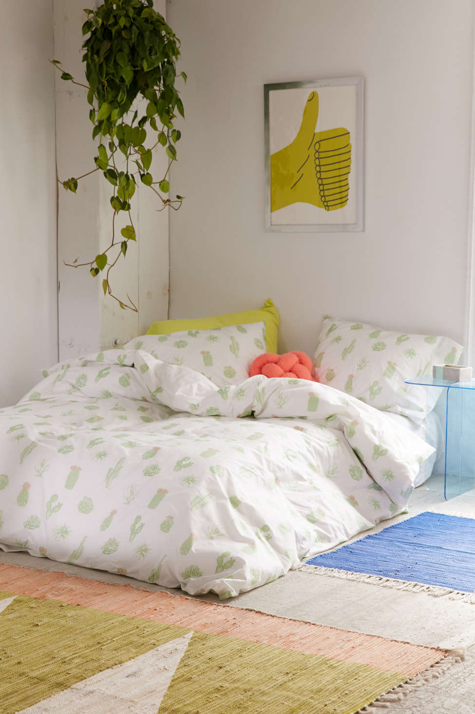 Slide View: 1: Cactus Icon Duvet Cover