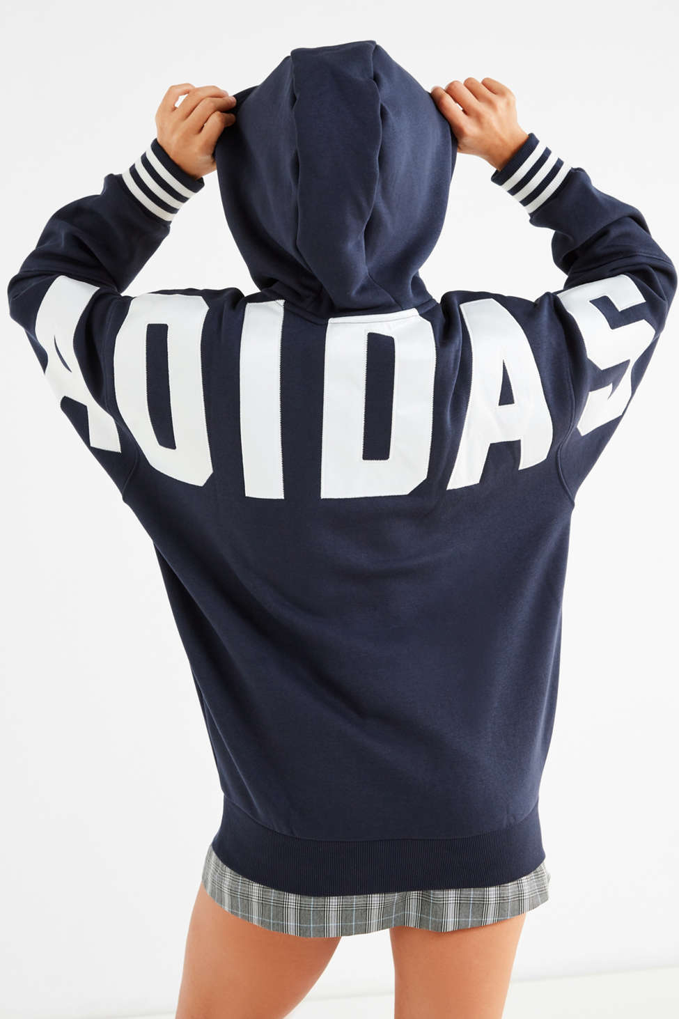 adidas originali originali originali fuzzy felpa felpa urban outfitters fbb639