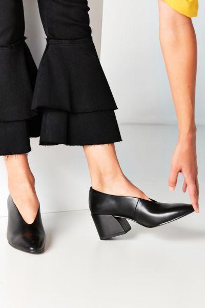 Vagabond Olivia Leather Heel - Black 6. at Urban Outfitters