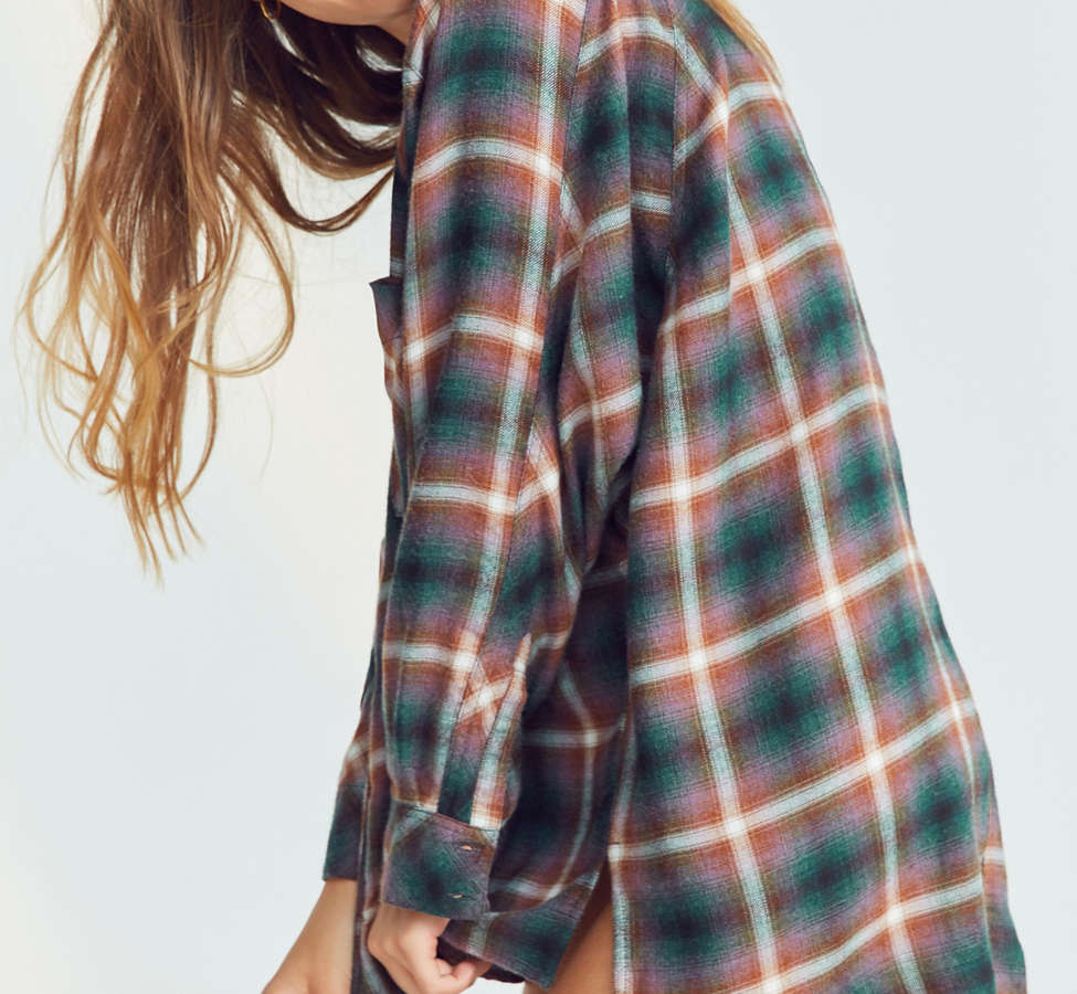 Slide View: 4: BDG Brendan Cozy Flannel Button-Down Shirt
