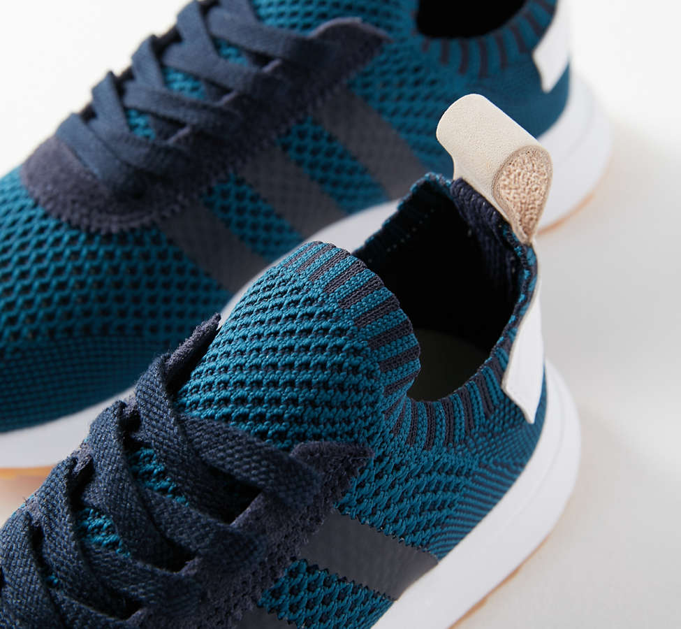 Slide View: 2: adidas Originals Flashback Primeknit Sneaker