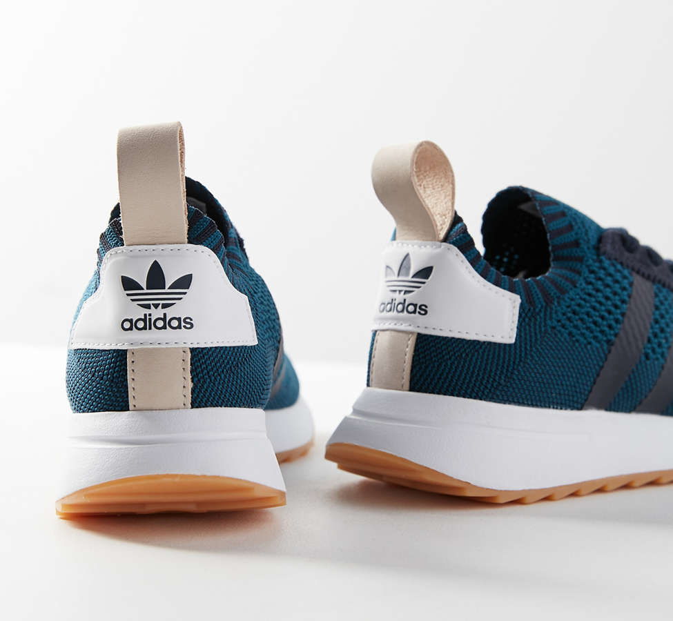 Slide View: 3: adidas Originals Flashback Primeknit Sneaker
