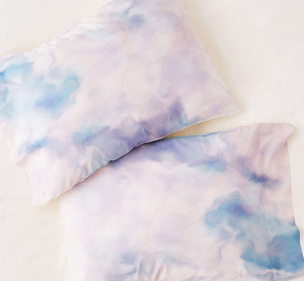Slide View: 1: Chelsea Victoria For Deny Unicorn Marble Pillowcase Set