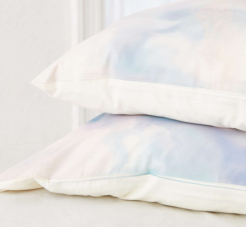 Slide View: 2: Chelsea Victoria For Deny Unicorn Marble Pillowcase Set