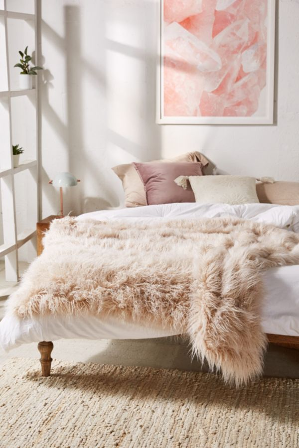 Marisa Tipped Faux Fur Throw Blanket Urban Outfitters Canada