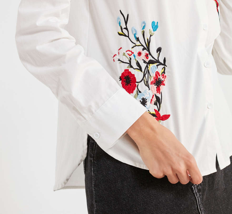 Slide View: 3: BDG Floral Embroidered Button-Down Shirt