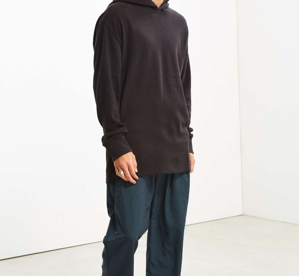 Slide View: 6: UO Colin Thermal Hooded Long Sleeve Tee