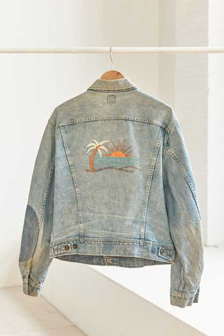 Vintage Lee '90s Embroidered Denim Trucker Jacket