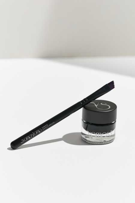 The Vamp Stamp Vink™ Eyeliner Ink + Verge Angle Brush