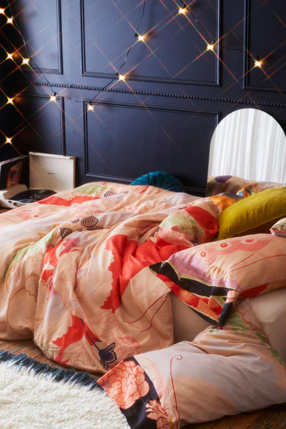 Slide View: 1: Masako Kimono Floral Duvet Cover