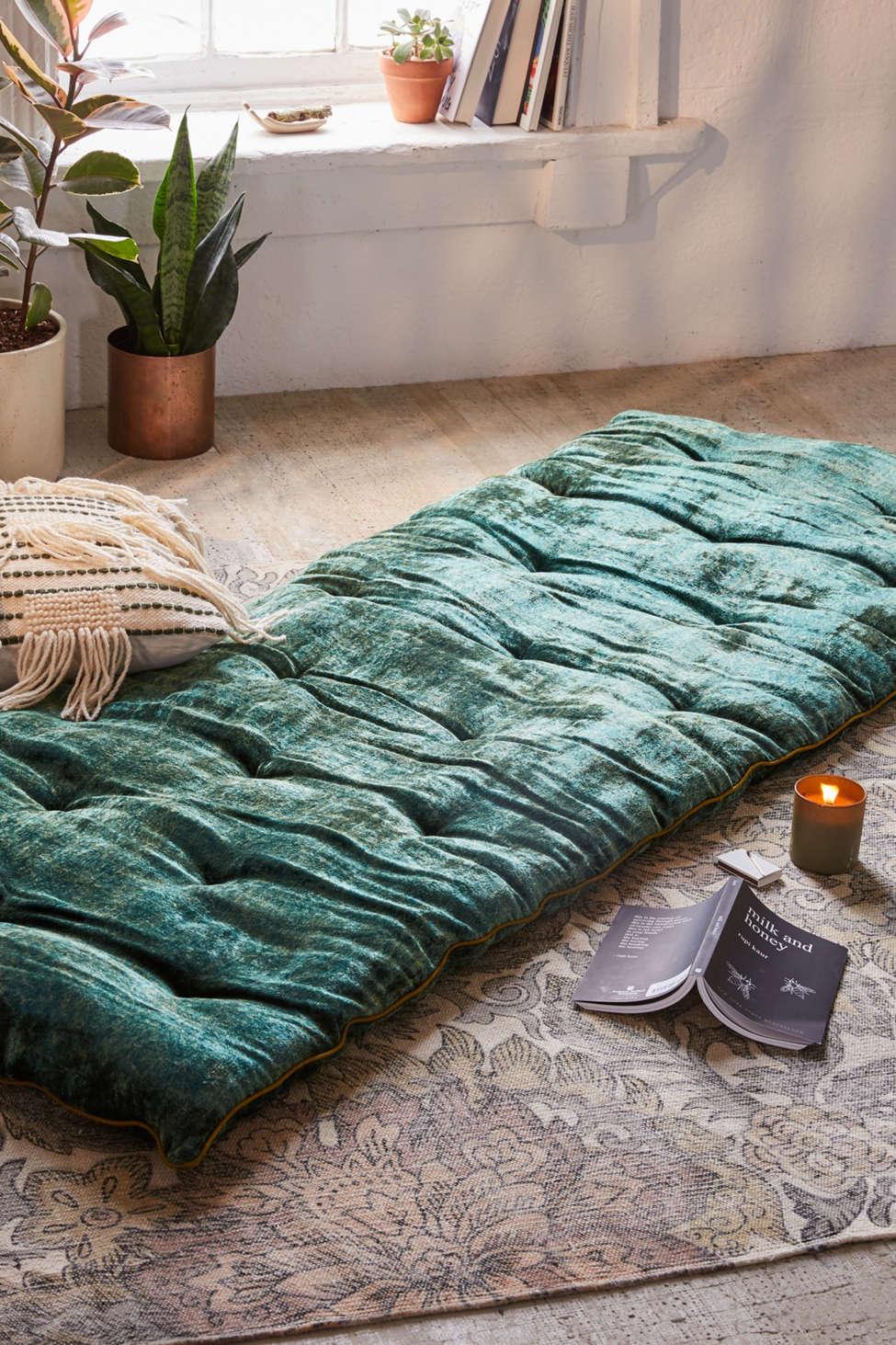 Slide View: 1: Velvet Meditation Mat