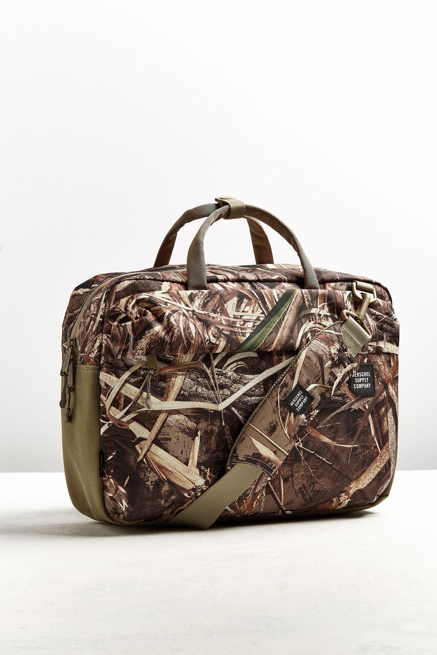 b911acae5b7 Herschel Supply Co. Britannia Real Tree Camo Messenger Bag   Urban ...