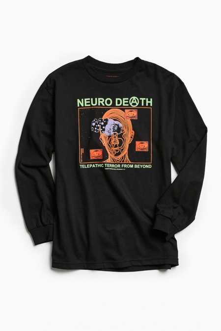 Men s Graphic T-Shirts. Graphic tees are a must in any man's wardrobe. They're the ultimate in casual cool and an easy way to increase a man's wardrobe quickly. Men's graphic tees can supply an outstanding foundation to casual and everyday wear.