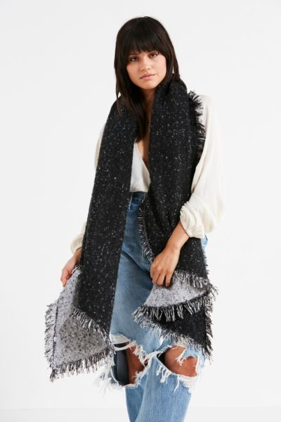Cozy Intarsia Blanket Scarf - Black One Size at Urban Outfitters