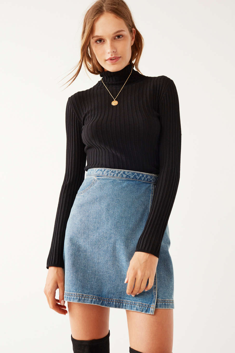 Silence   Noise Macy Ribbed Knit Turtleneck Sweater   Urban Outfitters
