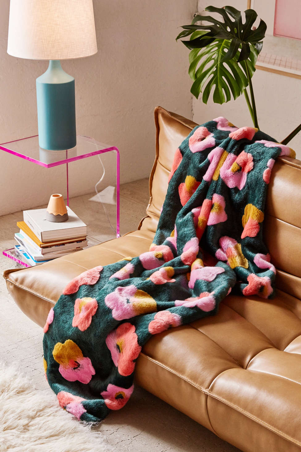 Slide View: 1: Penny Floral Faux Fur Throw Blanket