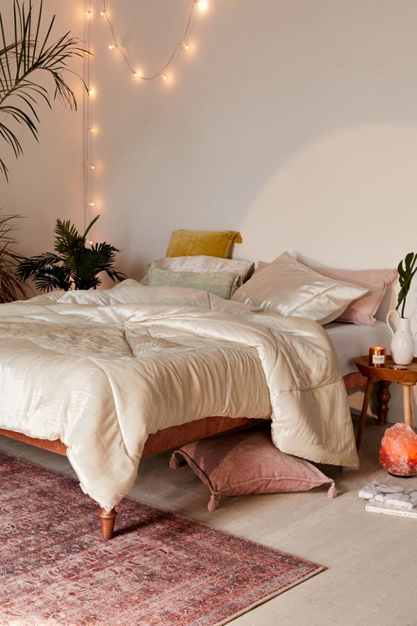 Skye Crushed Velvet Comforter Urban Outfitters Canada