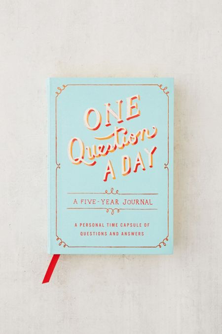 One Question A Day Five Year Journal By Aimee Chase