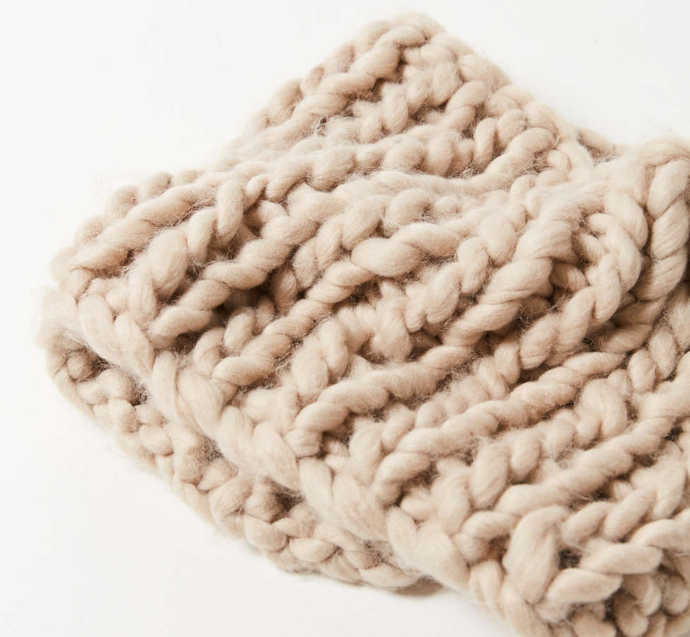 Slide View: 3: Chunky Knit Snood