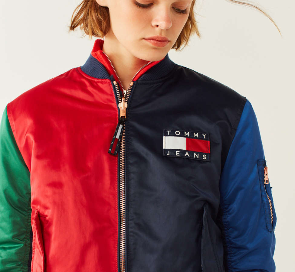 Slide View: 3: Tommy Jeans '90s Reversible Bomber Jacket