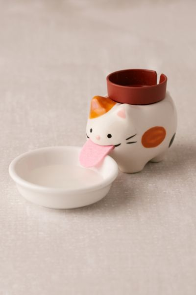 Peropon Cat Self Watering Wild Strawberry Planter - White One Size at Urban Outfitters